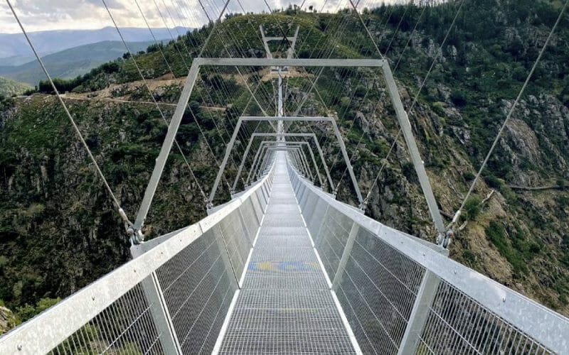 lungo ponte tibetano portogallo